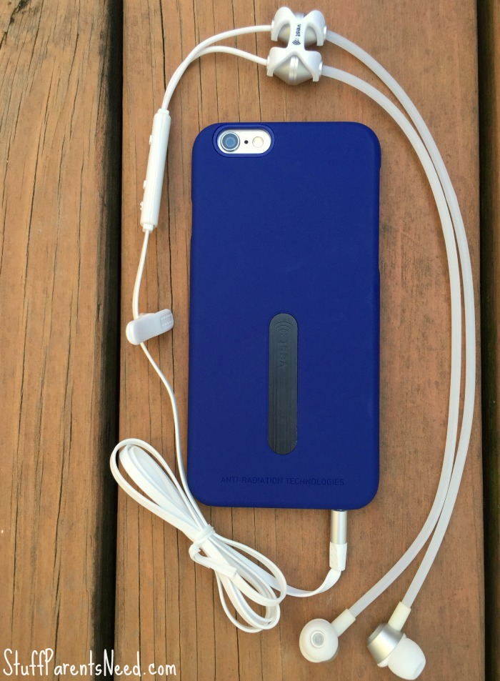 emf-protection-earphones-and-cell-phone-case