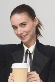 rooney-mara-carol-press-conference-in-beverly-hills_7