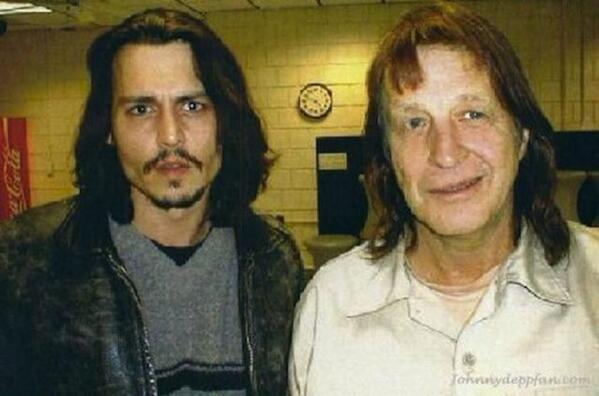 Does George Jung have a relationship with his daughter?