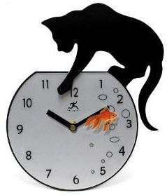 Cat fishing on this clock