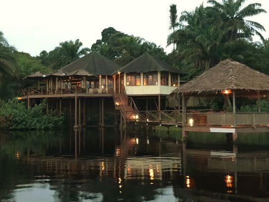 www.stujarvis.com - Loango Lodge, Gabon