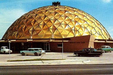 Saved from okcmod.com. It's the Gold Dome along Route 66 by Bailey, Bozalis, Dickenson & Roloff