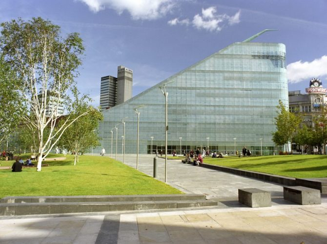 The Urbis Building in Manchester UK. Designed by Ian Simpson. Picture from urbismanchester.owrdpress.com