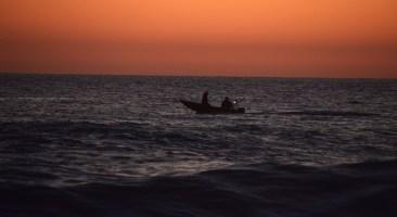 skif-fishing-at-sunset