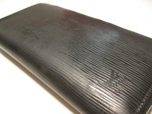 【LOUIS VUITTON (ルイ・ヴィトン)】エピラウンドジップ長財布のスレ傷・色褪せのお修理が完了しました!