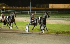 Vivald B med Martin Hansen vinder sin anden sejr i træk.
