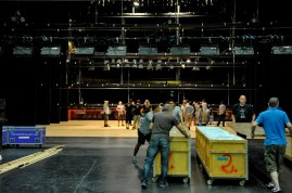 Technician Robert Späth with collegaues from Stuttgart and from the Esplanade Theater loading in the set for Onegin