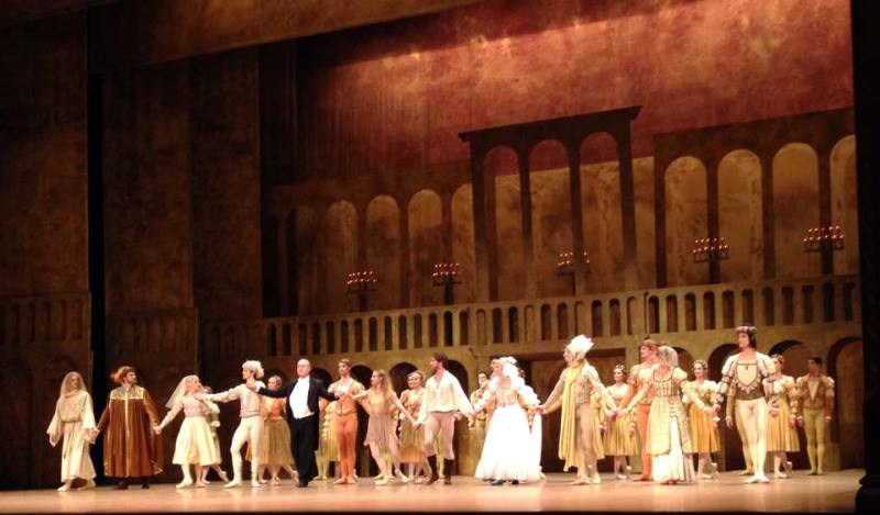The final bows after our premiere at the Royal Opera House Muscat – standing ovations from the audience for the dancers and the orchestra.
