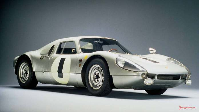 How to choose the best car insurance - Porsche supercars: 904 Carrera GTS, 1964, right front. Credit: Porsche AG