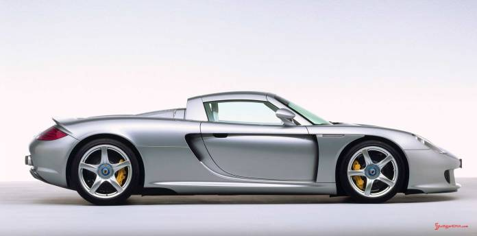 How to choose the best car insurance - Porsche supercars: Carrera GT, 2003, right side. Credit: Porsche AG