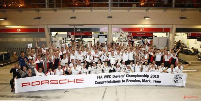2015 Porsche year in review: The Porsche Team celebrating the WEC Drivers' Championship, in Bahrain, 2015. Credit: Porsche AG