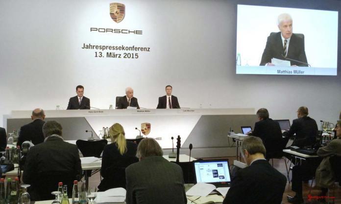 2015 Porsche year in review: Vice President Communications Hans-Gerd Bode, CEO Matthias Müller,CFO Lutz Meschke (l-r), annual press conference, Porsche Museum, 2015. Credit: Porsche AG