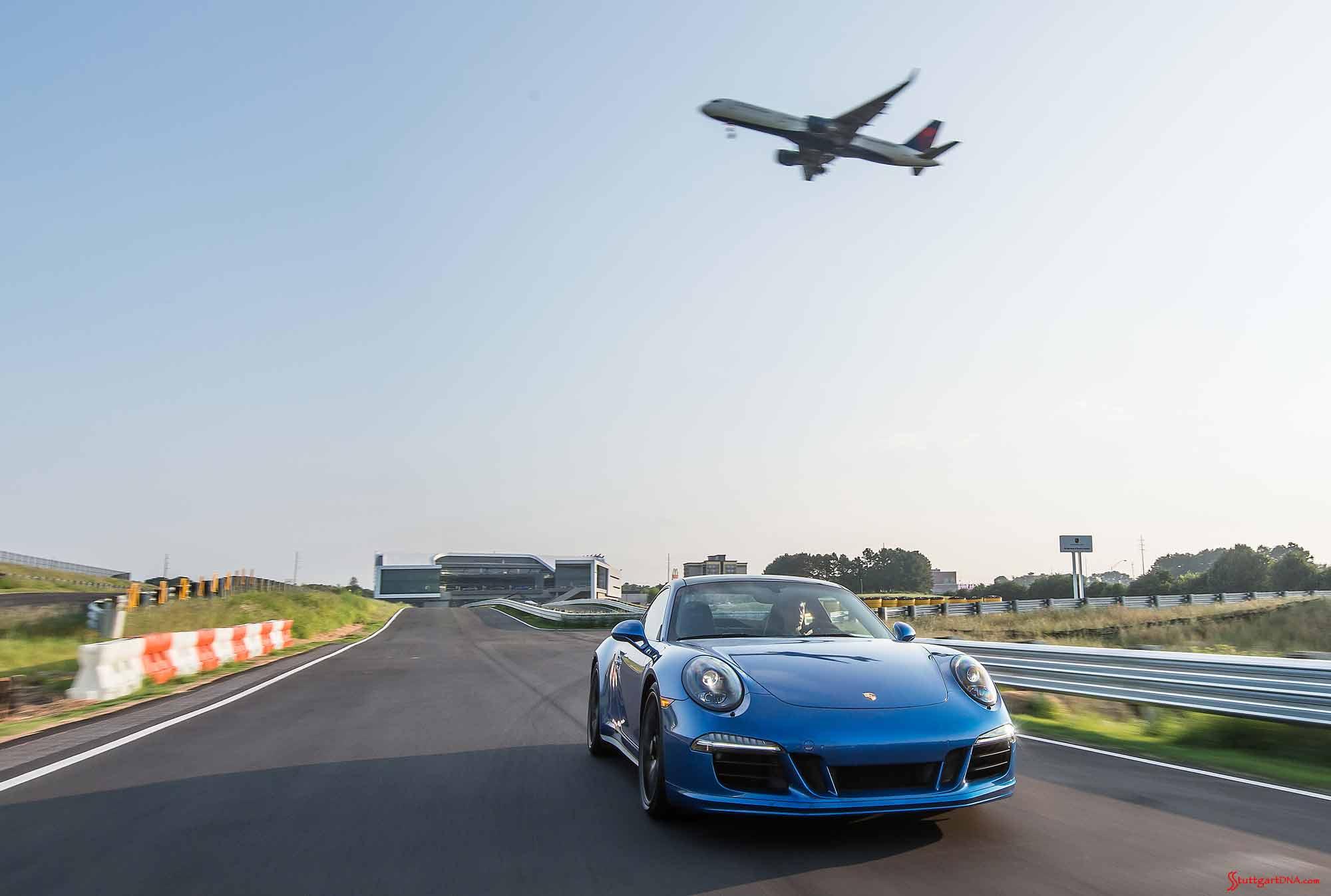Porsche-EPC-Atlanta-911-on-track-and-airliner-in-bg Mesmerizing Porsche 918 Spyder London Ontario Cars Trend