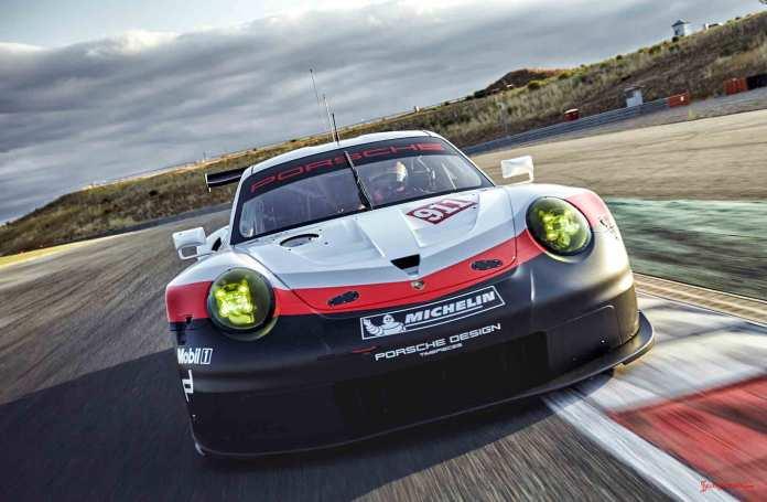 2017 Porsche GT-class 911 RSR: Rolex 24 Daytona debut - the 2017 911 RSR, seen from front-left angle, on track. Credit: Porsche AG