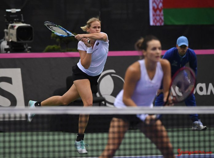 Porsche Team Germany wins Minsk 2018 Tennis Fed Cup: Seen here are Grönefeld in b.g. and Maria in f.g. at 2018 Minsk Fed Cup, battling it out for Porsche on the tennis court. Credit: Porsche AG