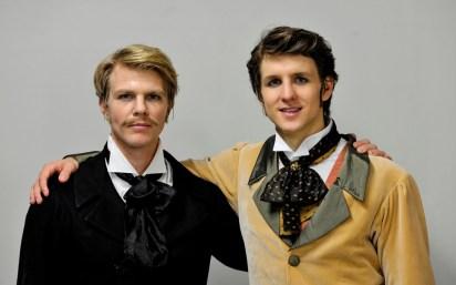Marijn Rademaker und David Moore backstage vor dem dritten Akt von Onegin