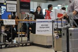 Ankunft am Incheon Airport in Seoul: Dami Kang von unserem Veranstalter Credia begrüßt uns am Flughafen!
