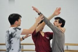 Martí Fernandez Paixa und Özkan Ayik bei der Probe mit Demis Volpi