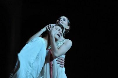 David Moore als Romeo, Elisa Badenes als Julia