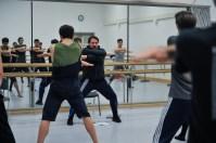 Rolando D'Alesio mit den Tänzern bei einer Probe von Marco Goeckes Le Spectre de la Rose
