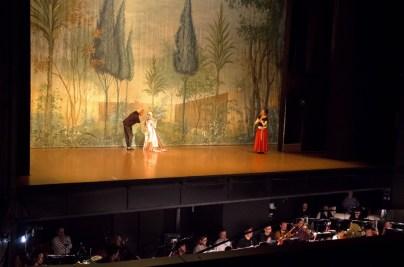 Bühnenprobe mit Orchester: Alicia Amatriain (Julia), Melinda Witham (Lady Capulet) and Sonia Santiago (Julias Amme)