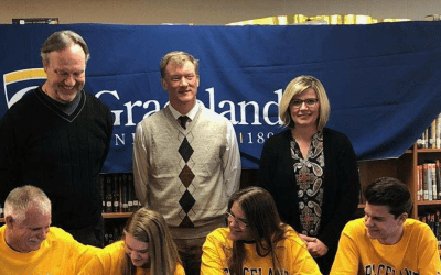 Karen signs with Graceland