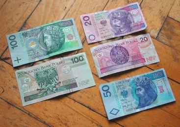 Поляки стали більше платити українським заробітчанам