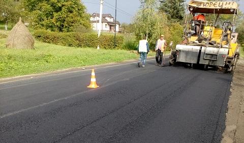В Коломийському районі відремонтують 3 км дороги (ФОТО)