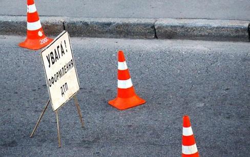 ДТП на Франківщині: у Бурштині тягач протаранив іномарку, у Косові мотоцикліст збив велосипедиста