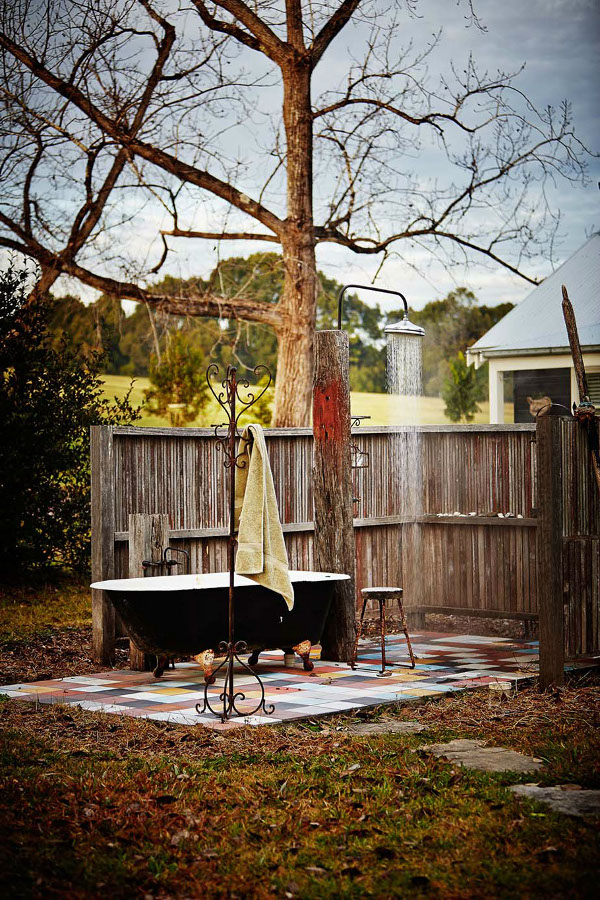 http://style-files.com/2014/04/11/weekend-escape-cottonwood-cottage-in-australia/
