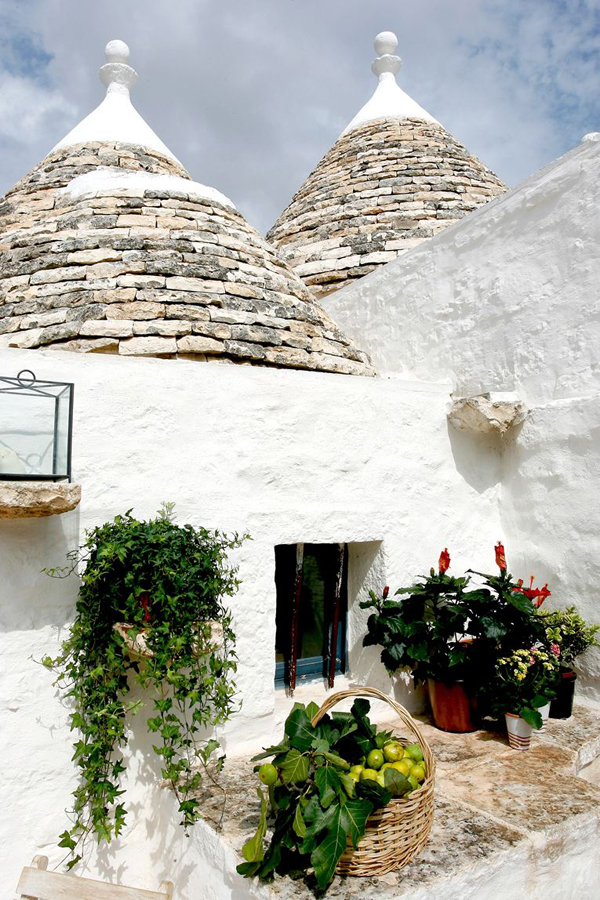 https://i2.wp.com/style-files.com/wp-content/uploads/2015/06/trulli1.jpg