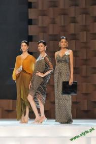 Sana-Safinaz-Latest-Collection-At-Lux-Style-Award-2011-12 style.pk