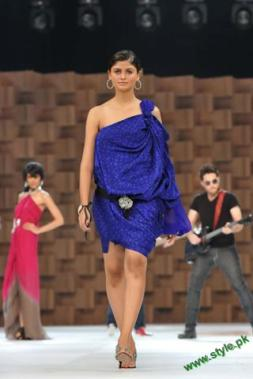 Sana-Safinaz-Latest-Collection-At-Lux-Style-Award-2011-3 style.pk