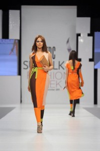 kamiar rokni's collection at sunsilk fashion week (1)