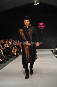 wedding wear for men 2012 by munib nawaz (6)