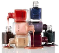 Choosing the Best Nail Colour According To Your Skin Tone