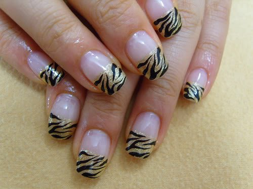 Tips for A Perfect Nail Art (5)