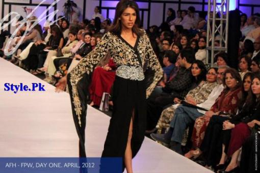 Ayesha F Hashwani At Fashion Pakistan Week 2012, Day 1-001