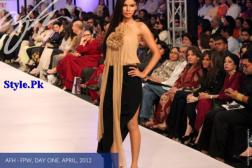 Ayesha F Hashwani At Fashion Pakistan Week 2012, Day 1-004