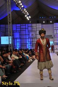 Kuki Concept Presented At Fashion Pakistan Week 2012, Day 2-001