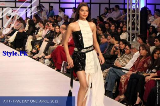 Latest Ayesha F Hashwani Collection At FPW 2012-009