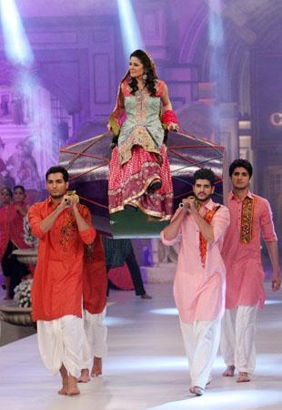 https://style.pk/elan-showcased-at-pfdc-sunsilk-fashion-week-2012-day-012