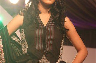 Vaneeza VLawn Collection 2012 for women 1