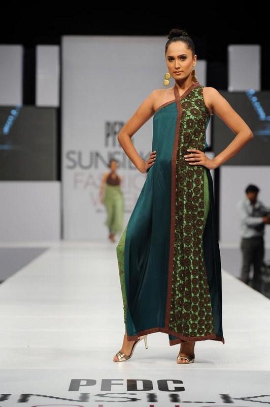Rubab Pakistani Model Pics And Biography