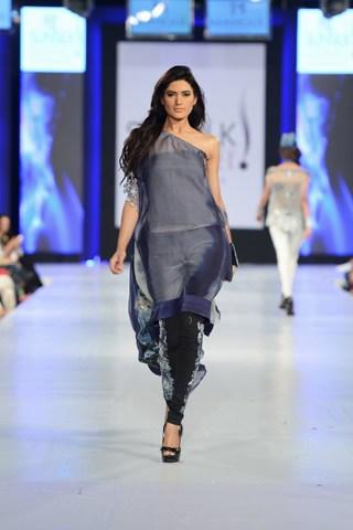 Mahgul For Nasreen Shaikh Collection At PFDC Sunsilk Fashion Week 2013 007
