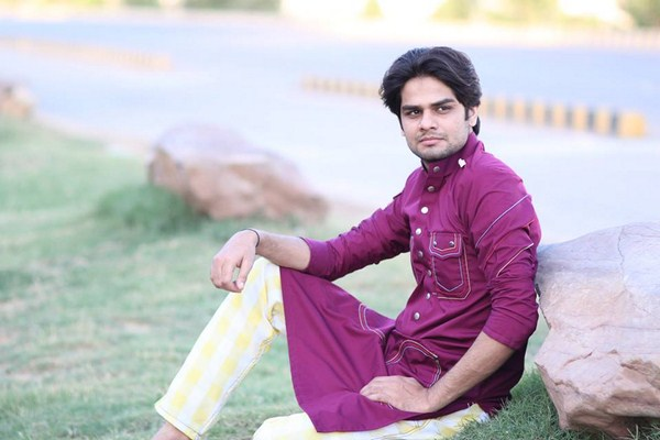 Hassan Waheed Winter Dresses 2013-2014 For Men 0011