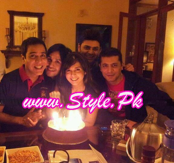 Mahnoor baloch 43rd birthday pics 02