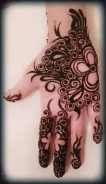 Simple Mehndi Designs For Girls 0012