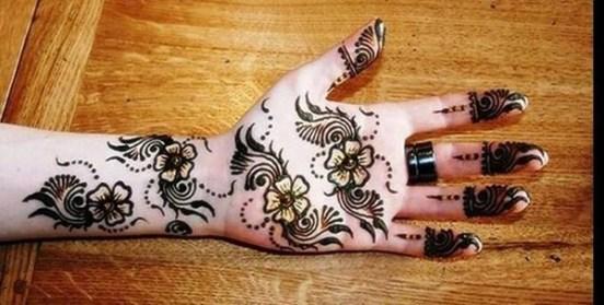 Simple Mehndi Designs For Girls 0013