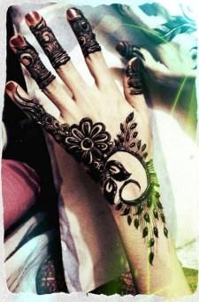 Simple Mehndi Designs For Girls 0015